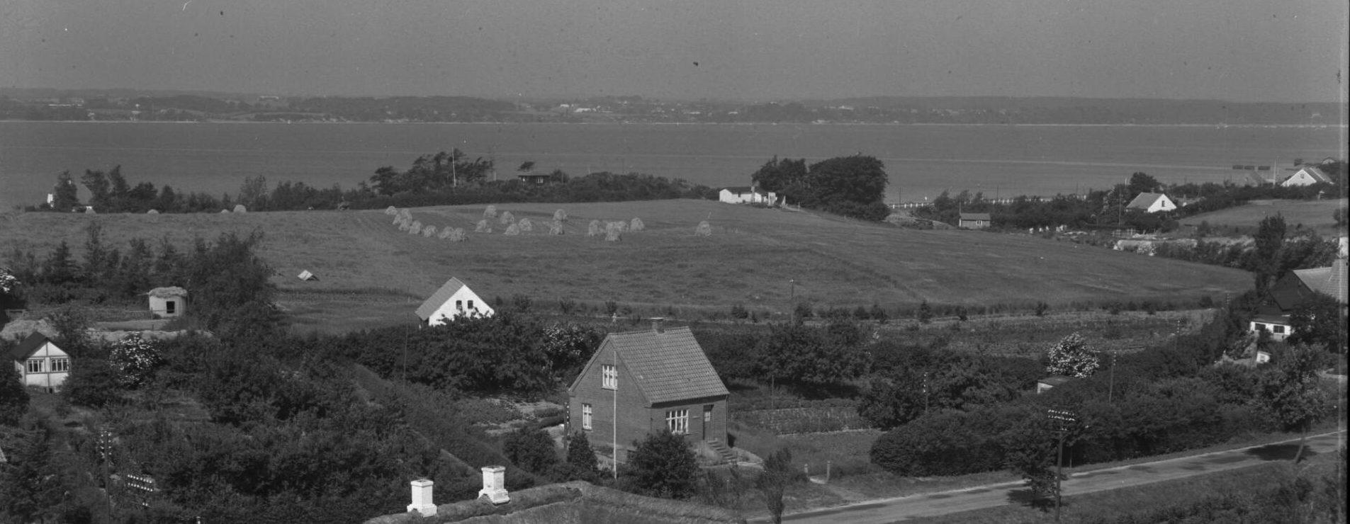 Møllebakken 1951, set fra Strib Landevej